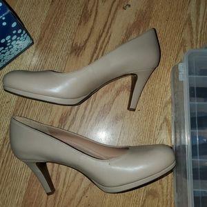 Naturalizer 7.5W Michelle nude heels